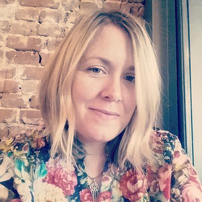 Headshot of Beth Farris, freelance brand consultant